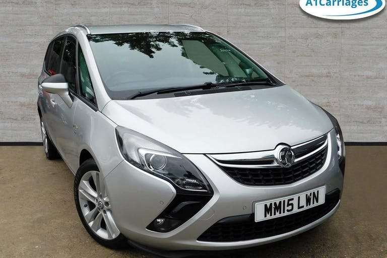 Used Vauxhall Zafira Tourer SRi 2015 for sale in Dartford, Kent from on